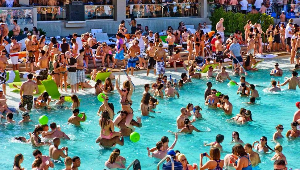 wet-republic-pool-party-vegas