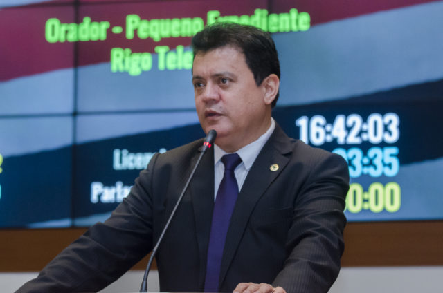 Rigo Teles destaca importância de Escolas Dignas no município de Fernando Falcão