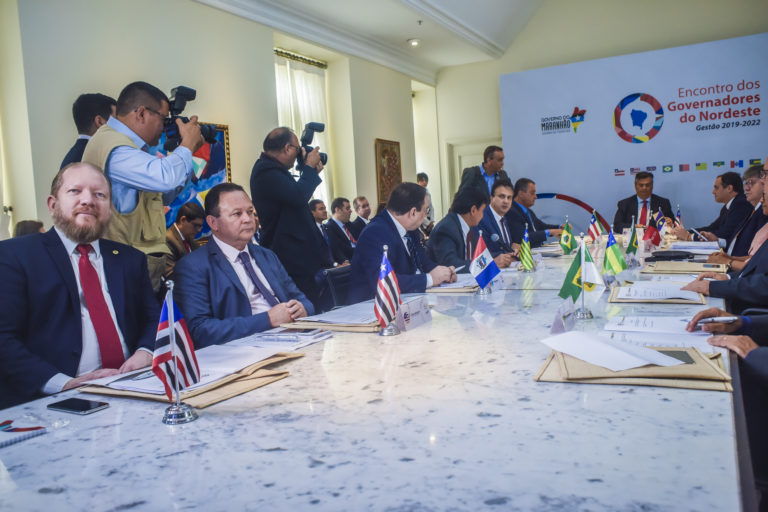 Othelino Neto participa da primeira reunião de trabalho do Encontro dos Governadores do Nordeste