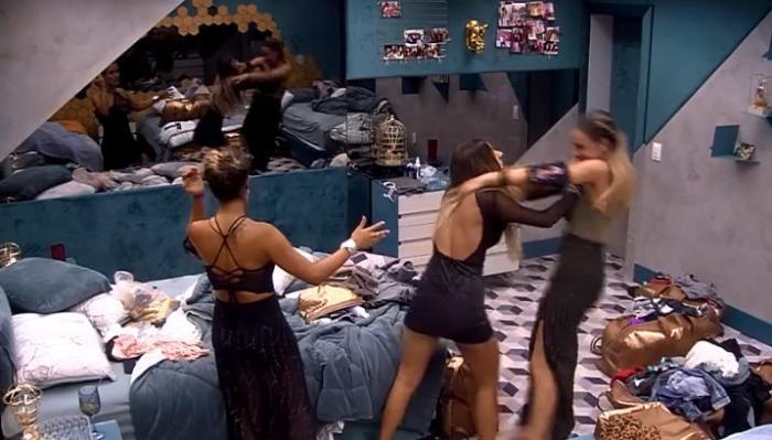 Hariany é expulsa do BBB19 por ter empurrado Paula