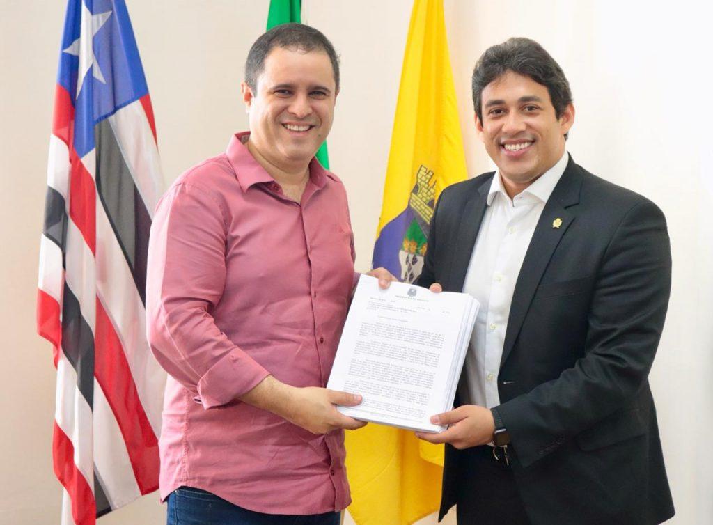 Osmar Filho destina recursos para Saúde e leva discussão sobre Plano Diretor para Câmara