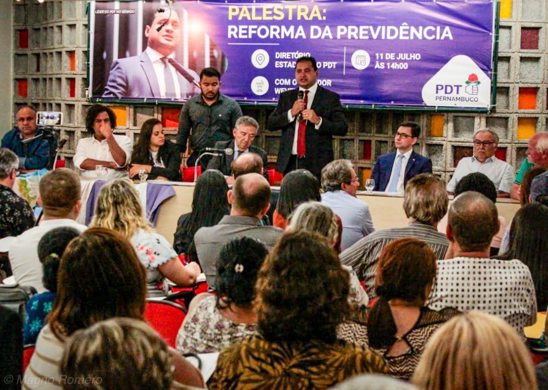 Weverton diz que reforma a Previdência vai economizar empobrecendo o povo