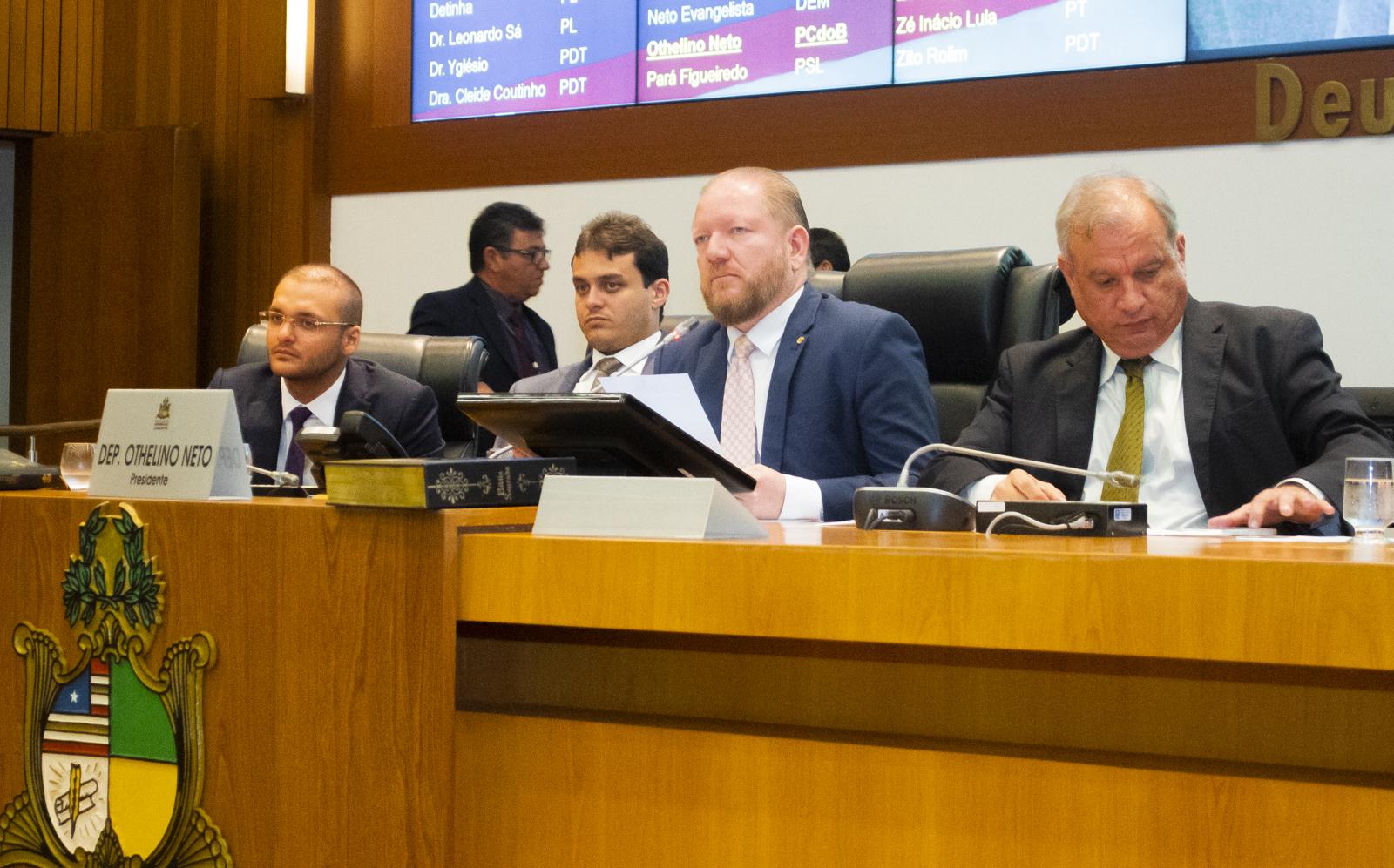 Othelino Neto destaca importância dos deputados retornarem às bases no recesso parlamentar