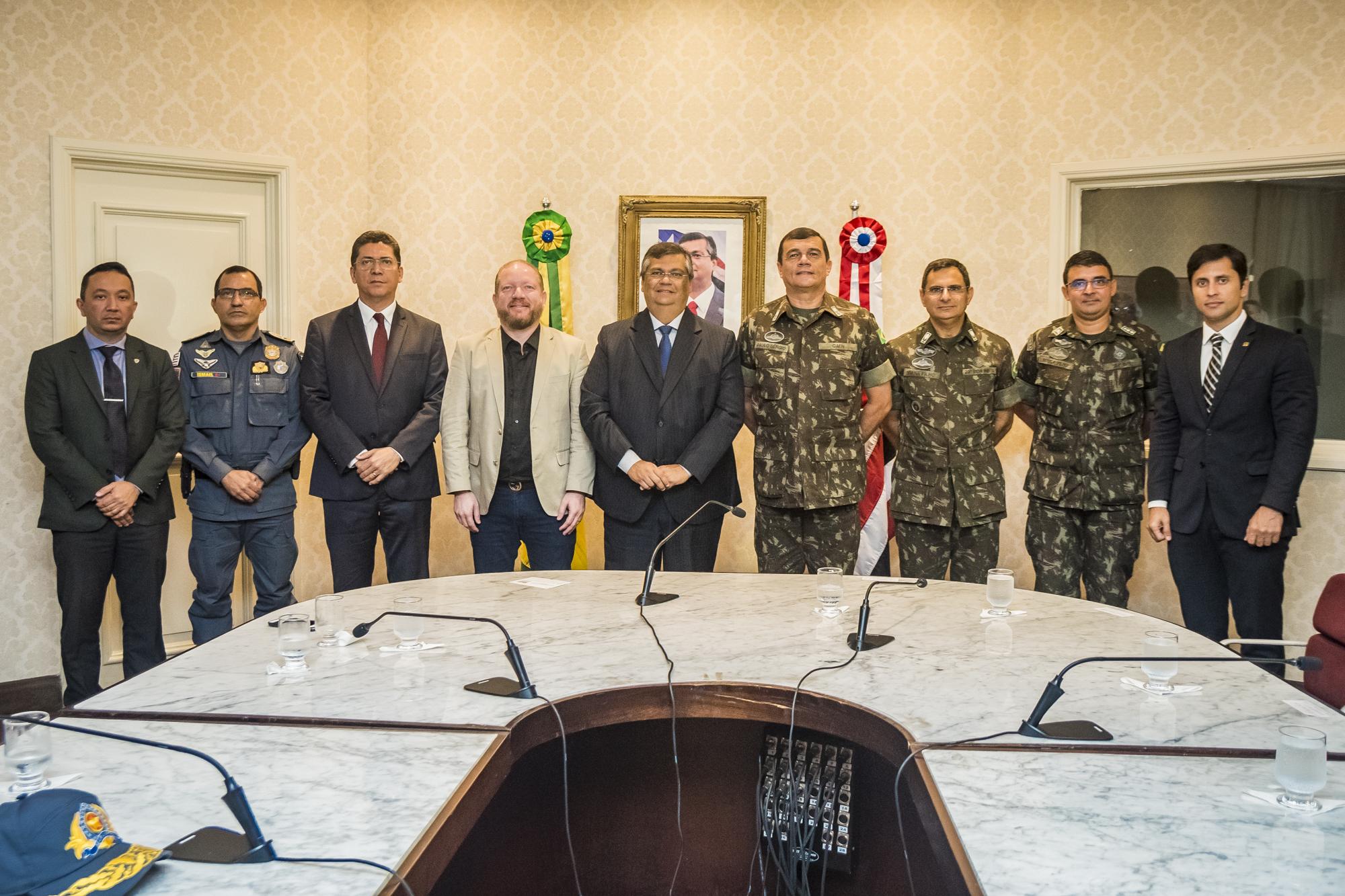 Othelino Neto participa da entrega de armamentos para reforço da segurança pública do Maranhão