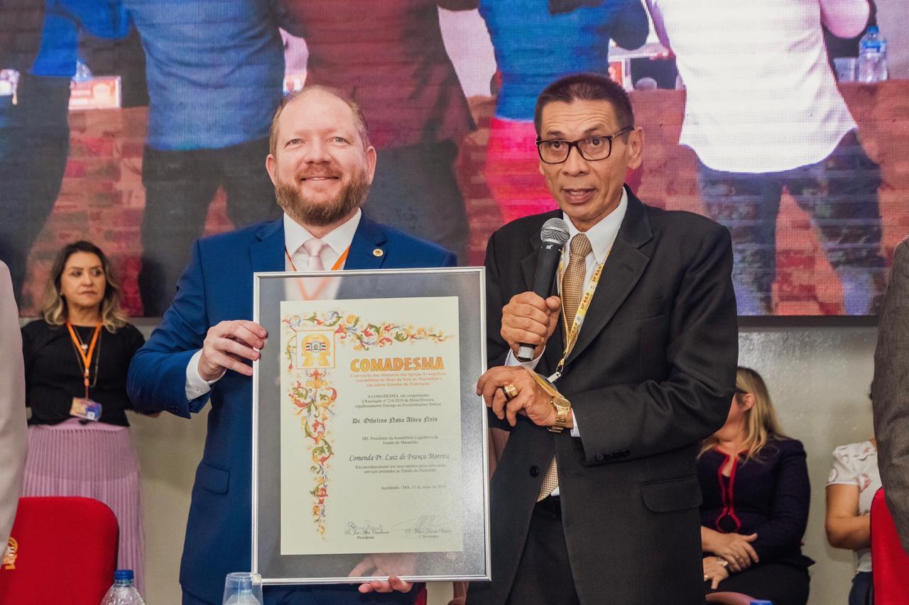Othelino Neto é condecorado com a maior honraria da Igreja Evangélica Assembleia de Deus do SETA