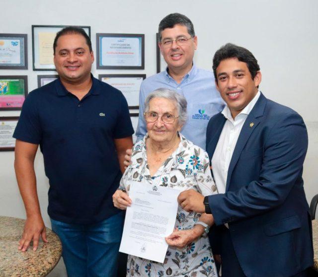 Osmar Filho acompanha Weverton em visita ao Aldenora Belo e anuncia recursos para custeio da instituição