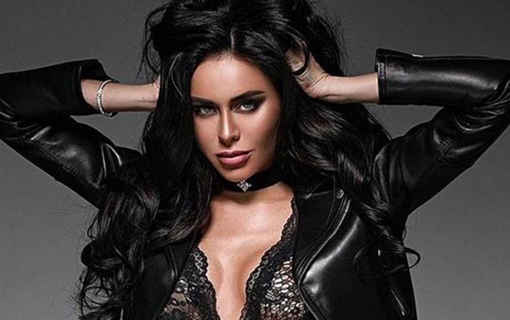 Ex-coelhinha da Playboy morre durante tratamento detox