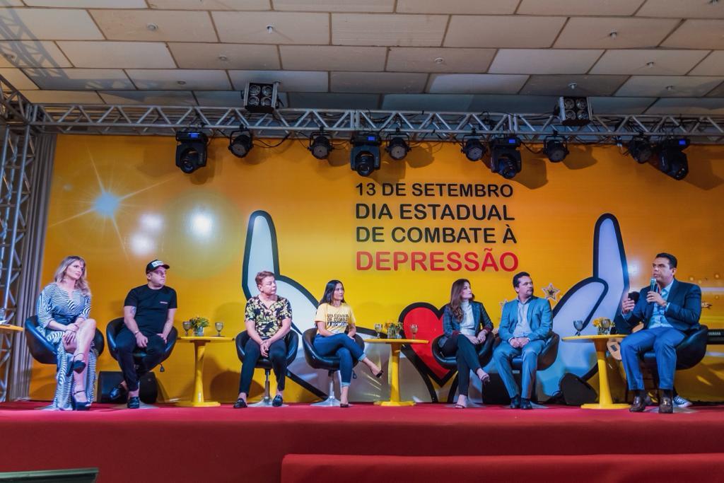 """""""Roda de debates"""" marca comemoração do Dia Estadual de Combate à Depressão"""