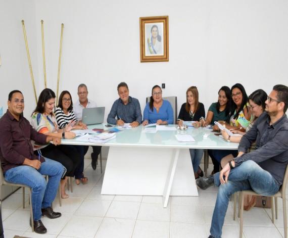 Prefeitura de Rosário abre concurso para professor com 308 vagas