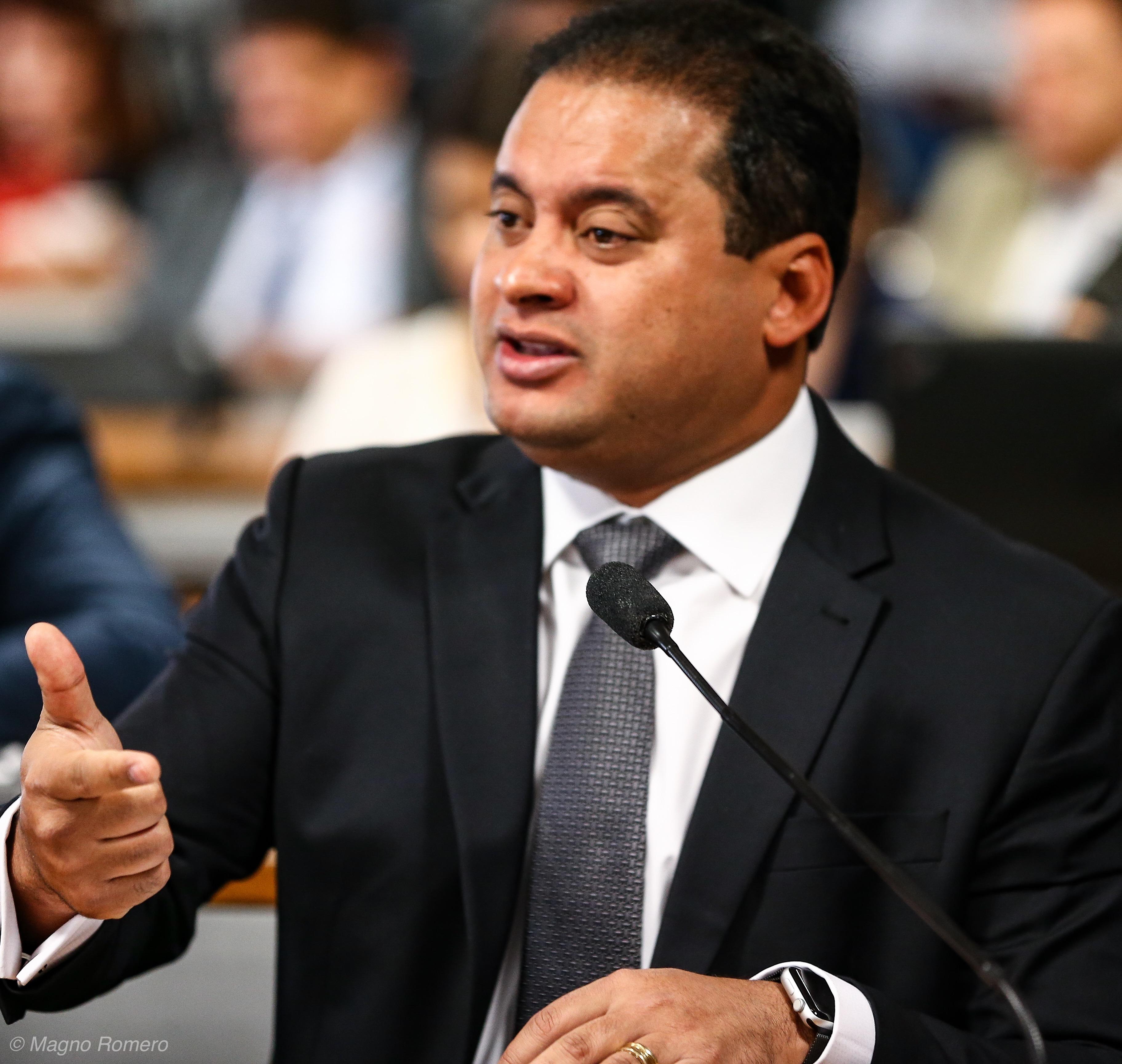 Weverton apresenta emenda para incluir o Maranhão em MP que trata da regularização fundiária