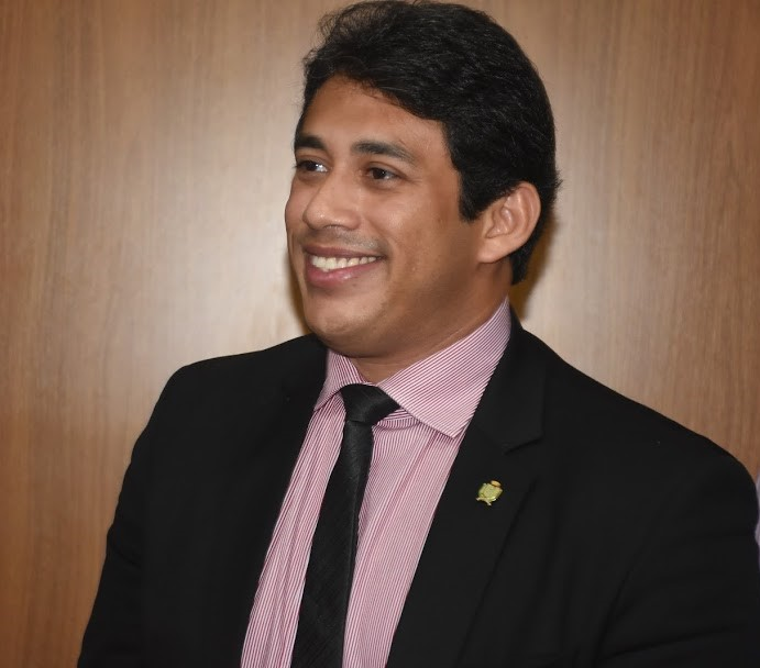 Osmar Filho inicia processo de nomeação dos aprovados em concurso público da Câmara