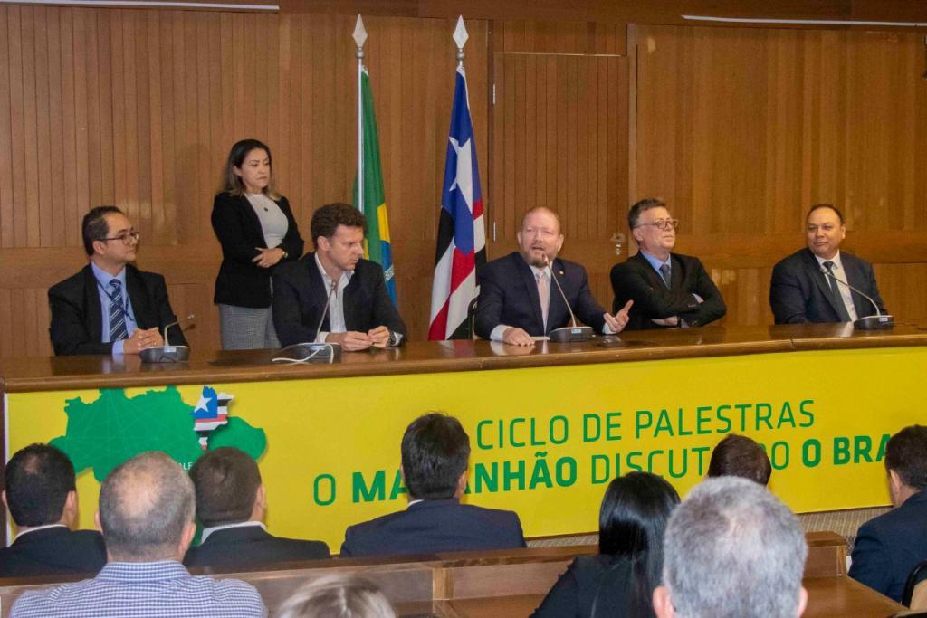 """Assembleia debate Reforma Tributária no primeiro ciclo de palestras """"O Maranhão Discutindo o Brasil"""""""