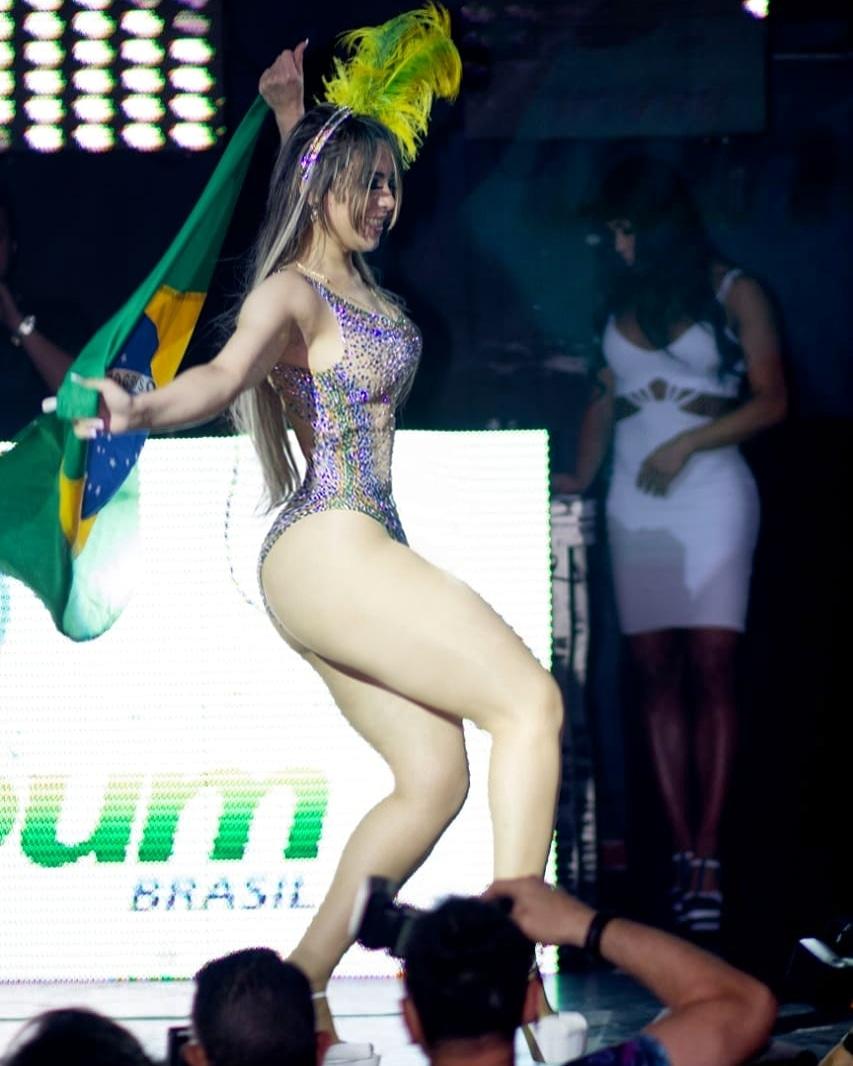 Miss bumbum chega em São Luís fisgando prefeitos e empresários