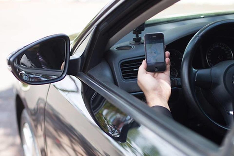 """Motorista de app recusa passageiro: """"Gay não entra em meu carro"""""""