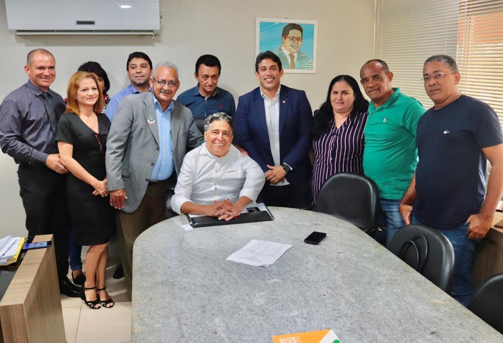 Após pedido de Osmar Filho, trânsito na Av. Castelo Branco é alterado e beneficia comércio da região
