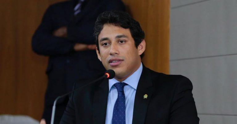 Osmar Filho determina nova antecipação dos salários dos servidores da Câmara