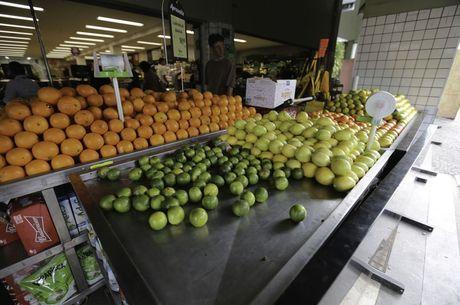 Frutas e vegetais podem estar contaminados pelo vírus