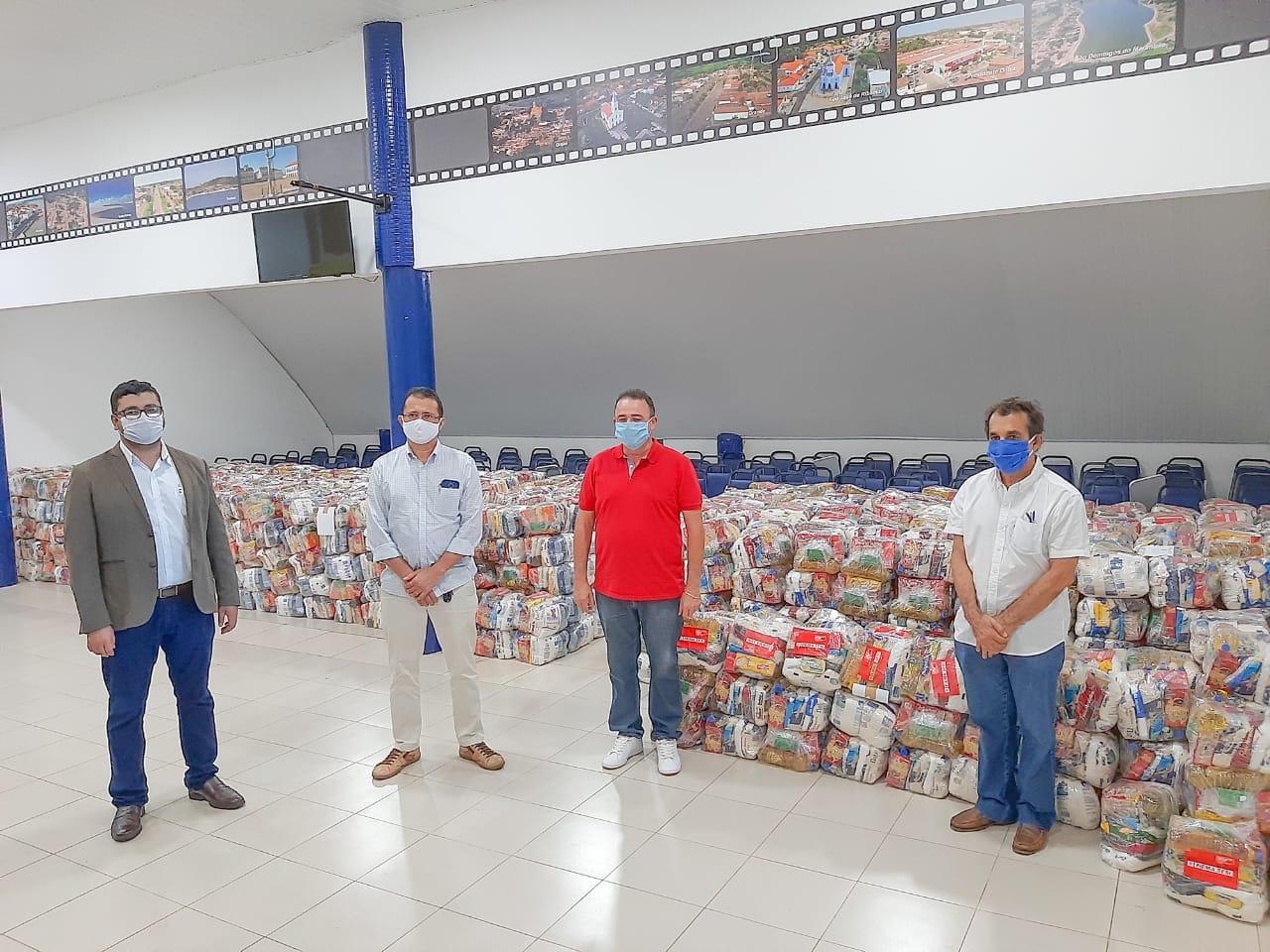 Weverton pede à CNI e consegue 75 toneladas de alimentos que a Famem distribuirá para municípios