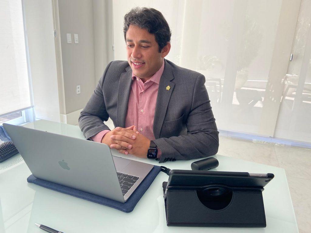 Osmar Filho determina nova antecipação de salários dos servidores da Câmara