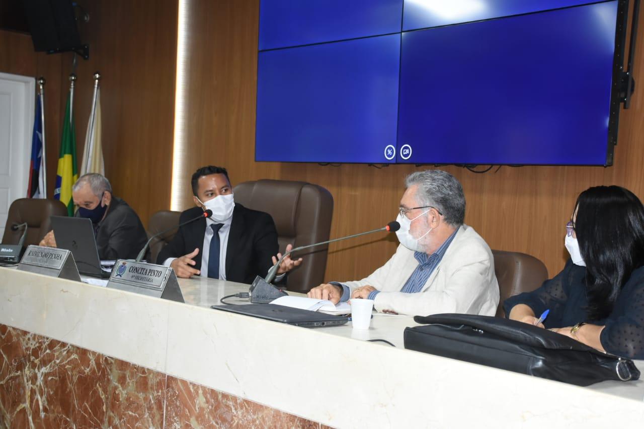 Vereadores se reúnem com representantes da Prefeitura para discutir LDO de 2021