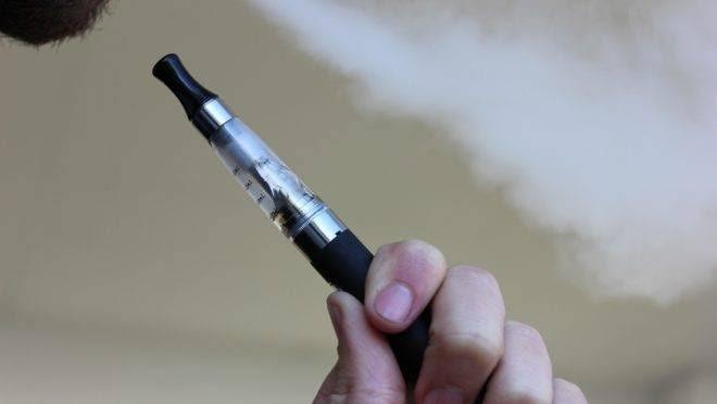 Deputados aprovam PL que proíbe a comercialização de cigarros eletrônicos no MA