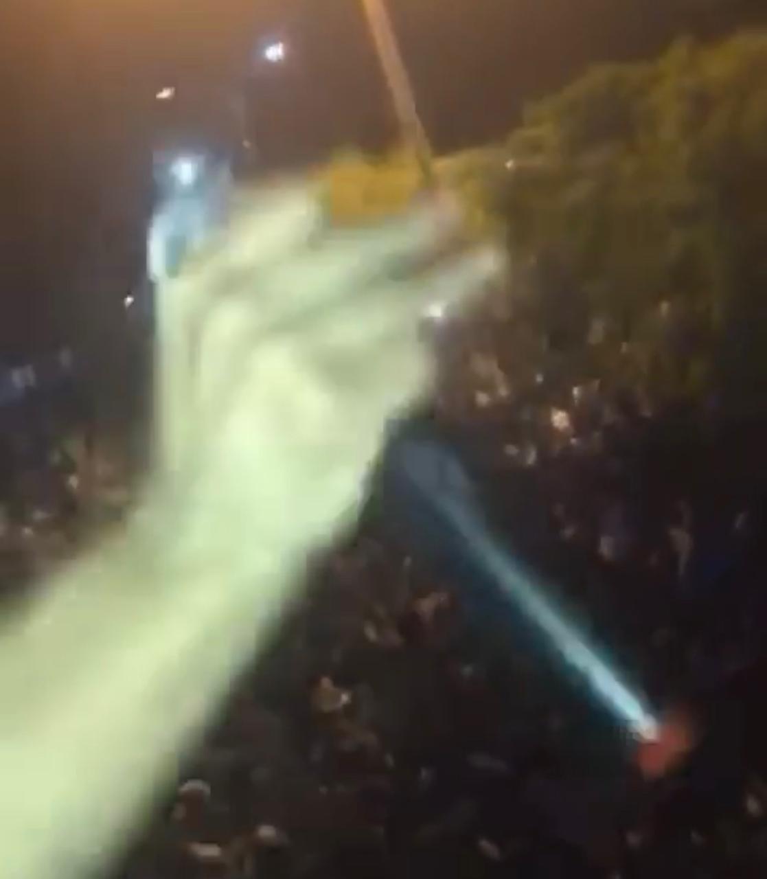 Candidato a prefeito promove showmício com muita aglomeração em Dom Pedro