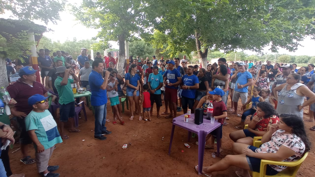 Rigo Teles visita primeiro povoado após ser eleito prefeito de Barra do Corda