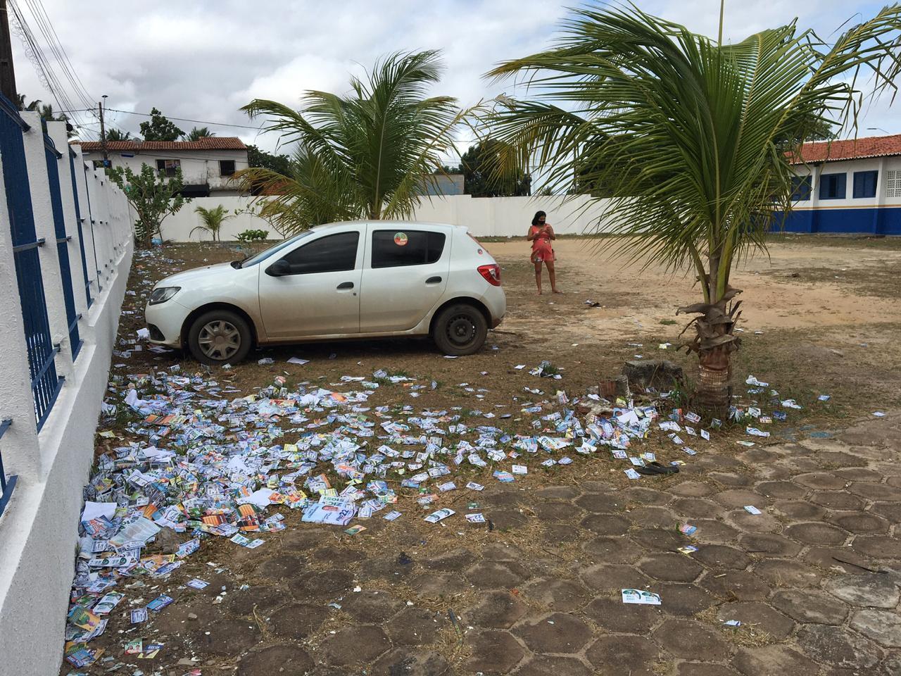 Ministério Público aciona 50 candidatos por derramarem santinhos nas ruas