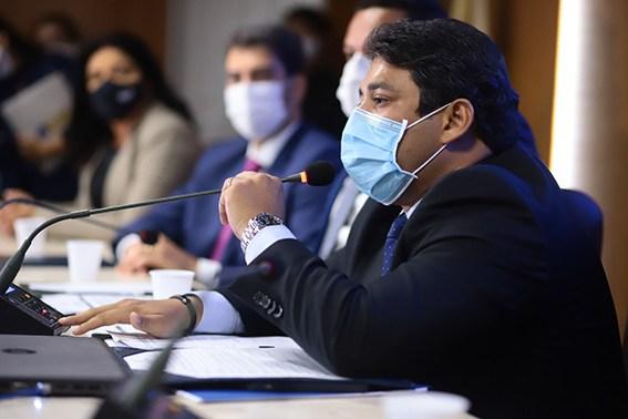 Osmar Filho prorroga suspensão das atividades presenciais na Câmara de São Luís