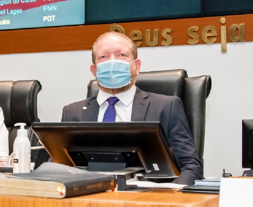 Othelino promulga lei que institui a Política Estadual de Prevenção às Arboviroses