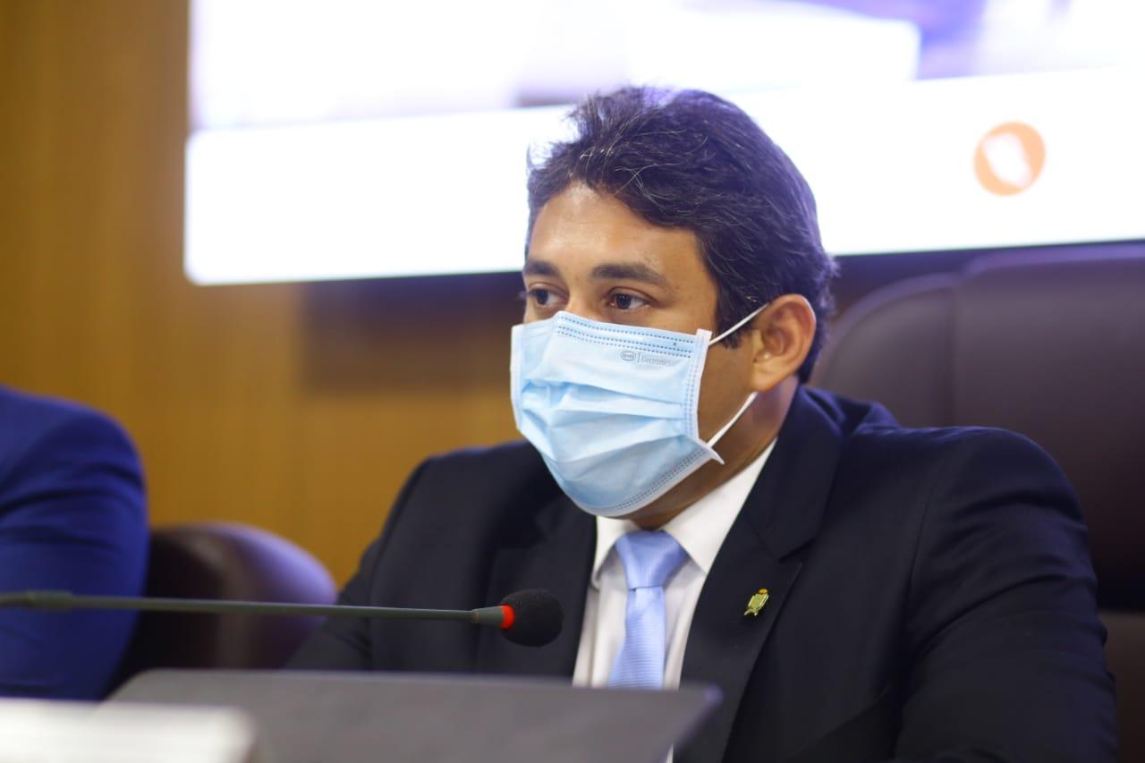 Osmar Filho propõe dispensa de revista em portas magnéticas para portadores de marcapassos ou aparelhos similares